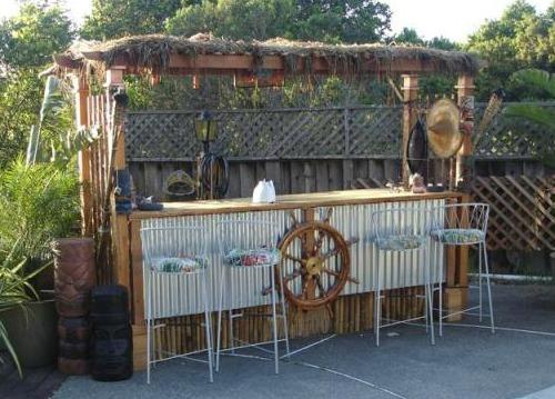 Backyard tiki bar ideas gk home watch llc for Beach house yard ideas